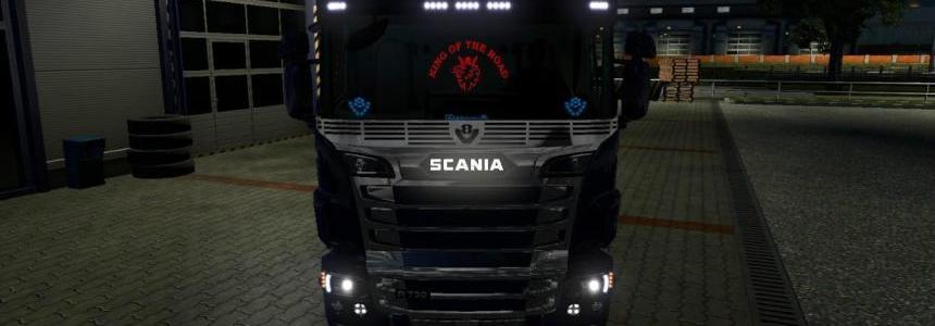 Back Interior Light for all Trucks v1.0