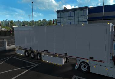 Schmitz refrigerated semi-trailer owned for 1.36