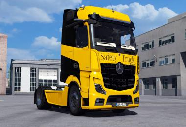 MB New Actros 2019 by Actros 5 Crew + DLC update 1.38