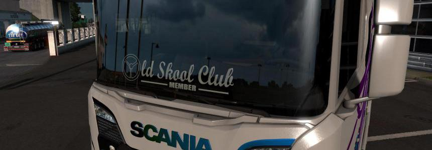 Old Skool Club sticker on windows v1.1 for 1.39